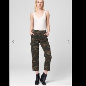 BlankNYC camo cargo cropped green 26 small